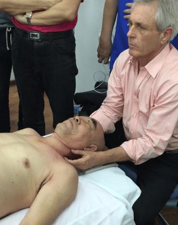 Tom Myer's - Demonstration to Unfreeze a Shoulder